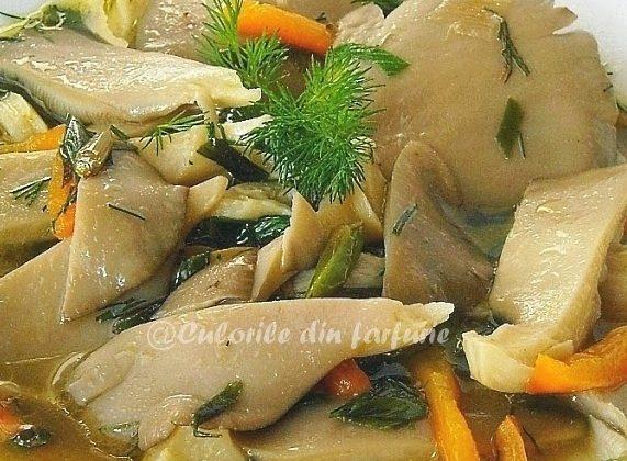 Pleurotus-cu-sos-de-vin-alb