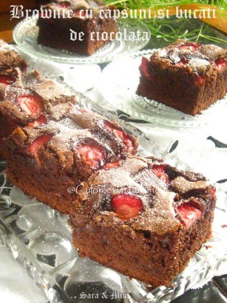 Brownie-cu- capsuni-si-bucati-de-ciocolata-1