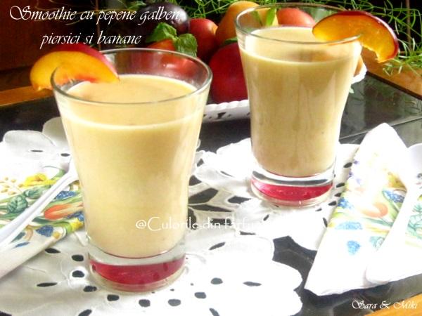 Smoothie-cu-pepene-galben-piersici-si-banane-3-1