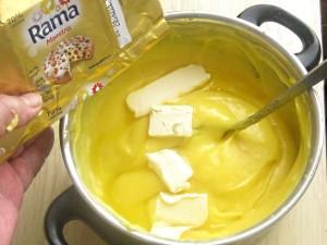 4. Cand e gata se adauga o nuca de margarina Rama ca sa prinda luciu.