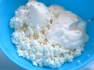 1. Placinta cu branza si iaurt