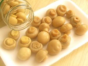 4. Se scurg ciupercutele intregi.